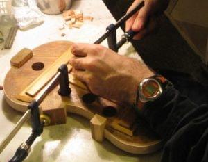 Dopasowanie i klejenie klocków